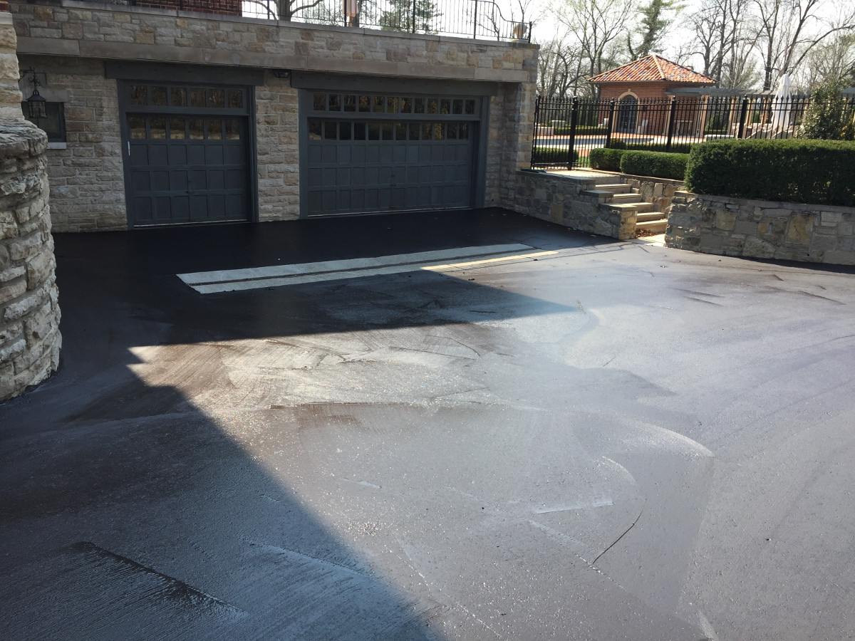 Driveway Sealcoating In Kcmo Gladestone Asphalt Contractor